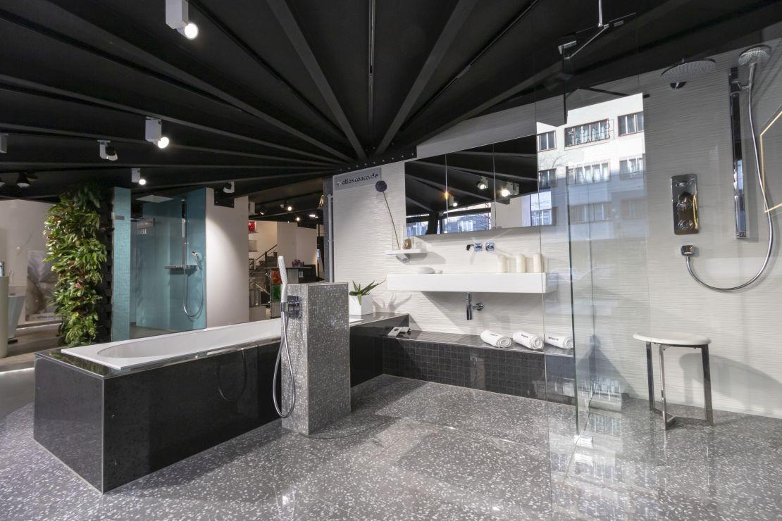 Jak to v Centru bydlení a designu Křižíkova vypadá? | VIDEO
