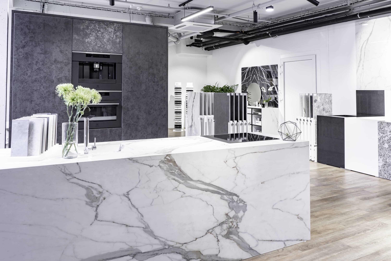 Centrum Křižíkova showroom velkoformáty Dreamstone